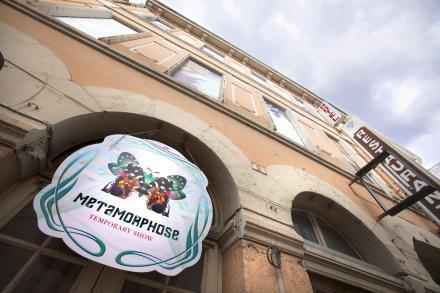 La façade de l'Hotel des Voyageurs de Saint Vallier