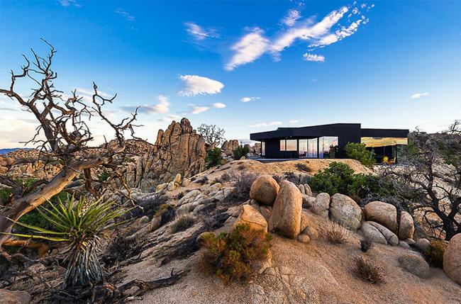 Maison du désert black desert house