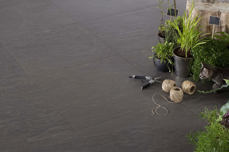 Piastrelle grigio scuro per terrazzo gres antracite per - Piastrelle per balcone ...