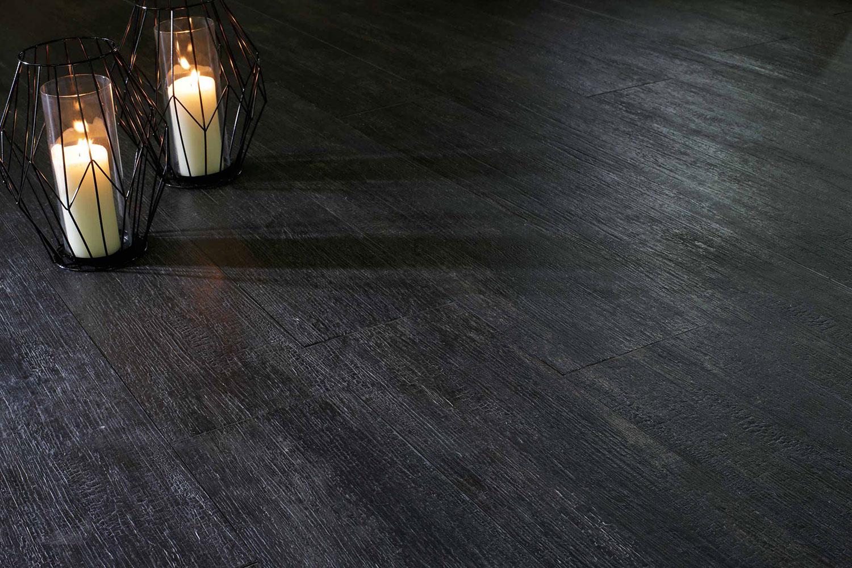 Piastrelle nere per soggiorno gres porcellanato nero for Piastrelle per soggiorno