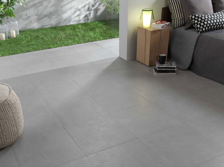 Interni Casa Grigio : Piastrelle grigio chiaro per casa gres grigio chiaro per interni