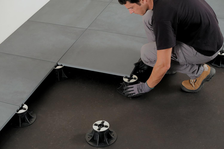 Posa Pavimento A Secco Giardino pavimento flottante 2cm: come fare una posa sopraelevata su